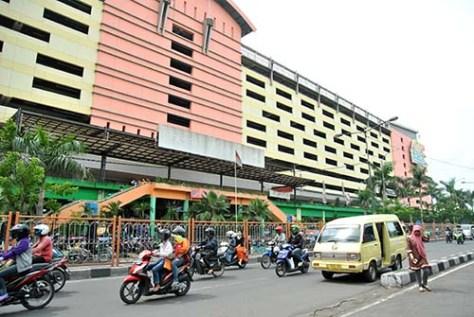 depan pasar Wonokromo & DTC