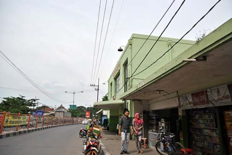 depan Stasiun Wonokromo